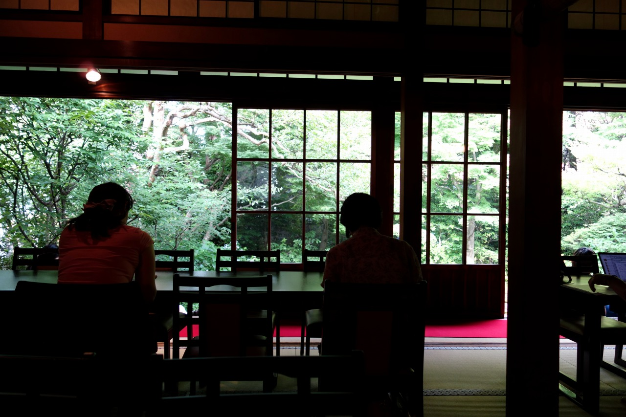 都市の本当の隠れ家はお坊さんがやっているお寺のカフェだ。